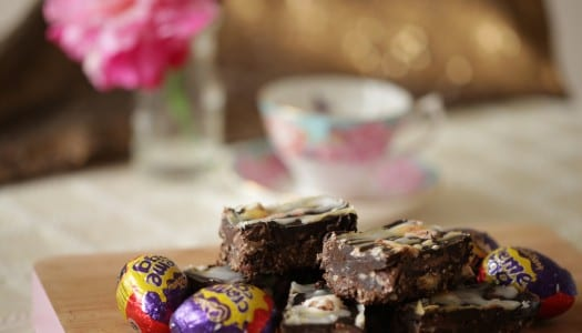 Creme Egg Chocolate Traybake!