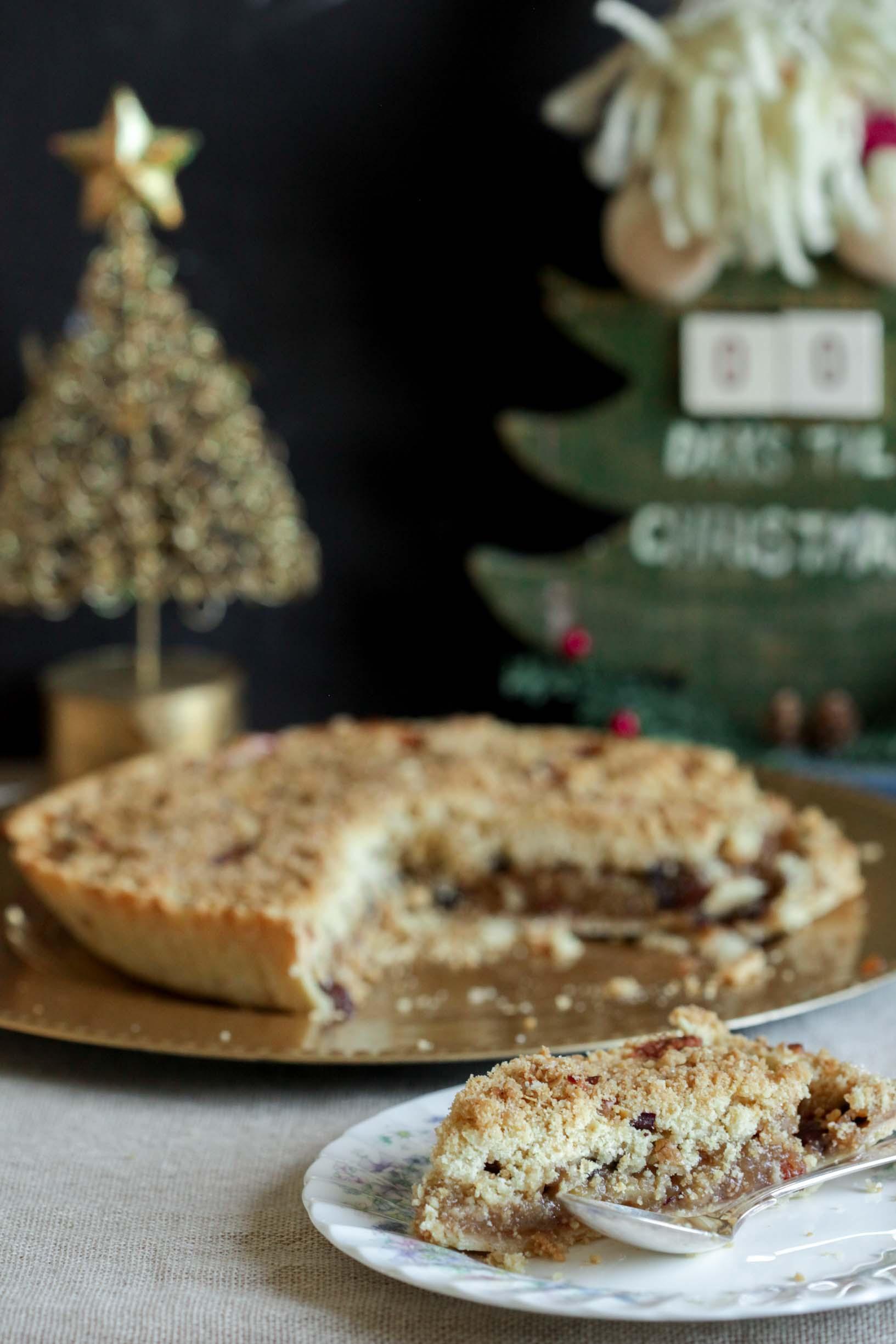 apple mincemeat crumble tart